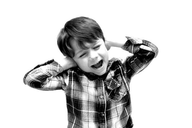 骨伝導で高騒音下でのコミュニケーションを実現